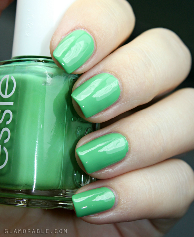 "essie ""Mojito Madness"" swatches and review >> http://ow.ly/FnCtL 
