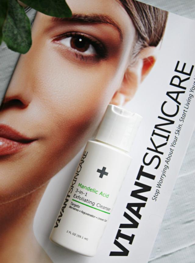 Vivant Skincare Mandelic Acid 3-in-1 Exfoliating Cleanser