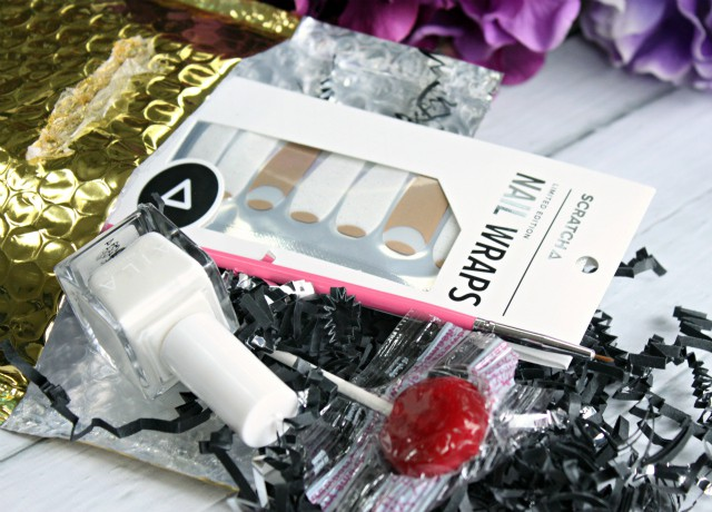 New monthly subscription service for nail art lovers - SCRATCH Monthly Mani Kit >>  http://bit.ly/1KXDAVA | via @glamorable