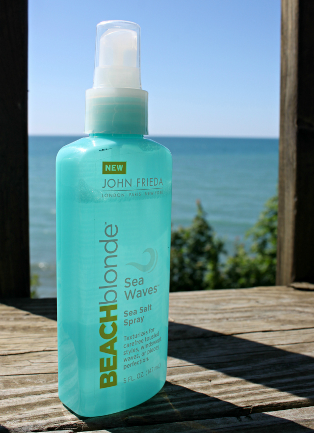 Beachy waves tutorial for fine hair with John Frieda® Beach Blonde™ >> http://bit.ly/1FRqrN2 | via @glamorable