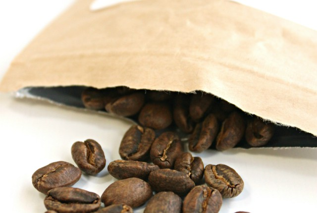 Bean Box was kind enough to send me a small bag of Kuma Coffee Carmen Geisha Panama beans to try. Find out what I thought about this exquisite roast! Read more at: https://glamorable.com | via @glamorable