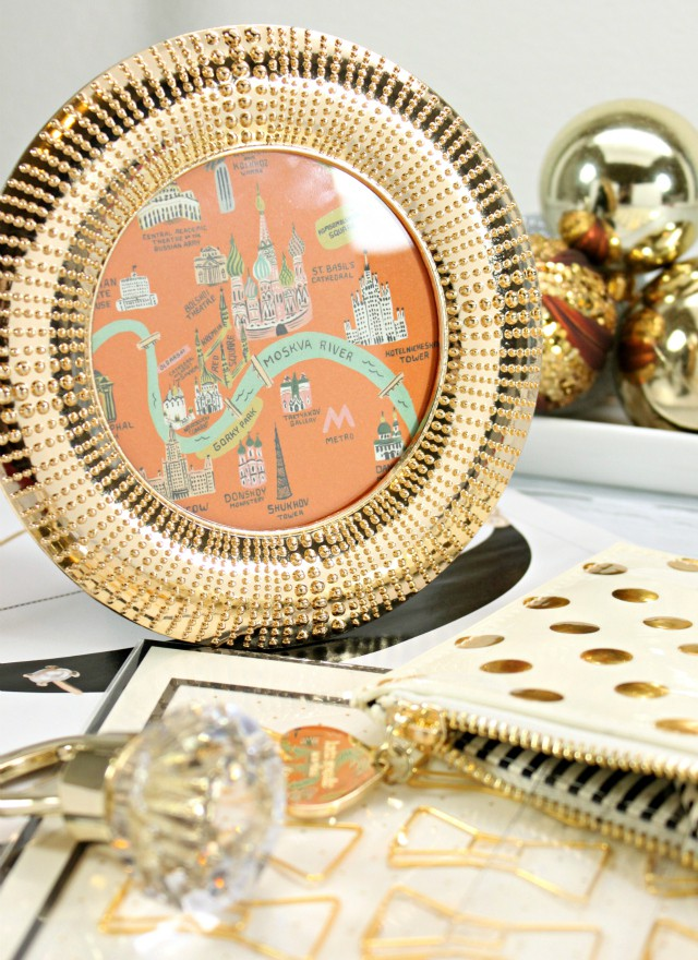 Holiday Gift Guide: Lovely Gifts from PAPYRUS - for people who love stationery, picture frames, and other cute little trinkets to brighten up everyday moments. Read more at >> www.glamorable.com | via @glamorable