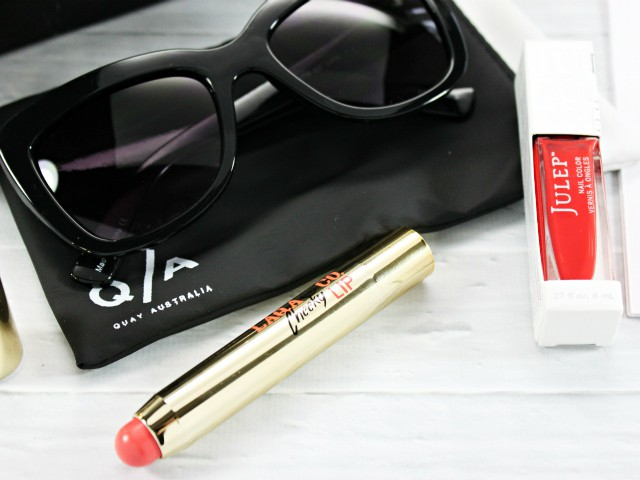 Limited Edition PEOPLE x The Voice Gift Box Review. Read more at >> www.glamorable.com | via @glamorable