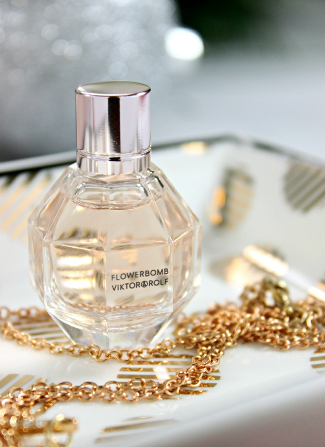 Viktor & Rolf Flowerbomb is celebrating their 10th Anniversary with an exclusive gift set. Check out what makes this fragrance so special! Read more at >> www.glamorable.com | via @glamorable