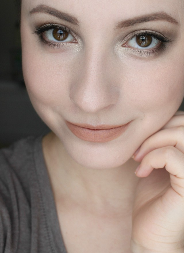 Fall Into Winter Makeup Ideas - Glamorable-6819