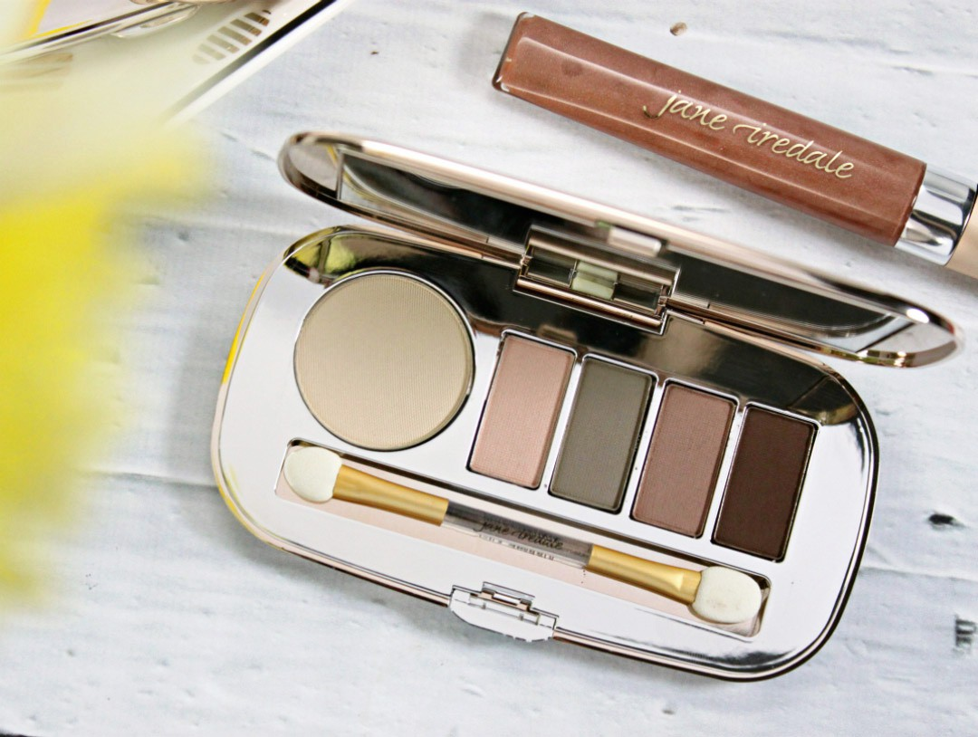 How to Master the No Makeup Look with NEW Jane Iredale Skin Is In Collection | Jane Iredale Naturally Matte Eye Shadow Kit, Jane Iredale GreatShape Eyebrow Kit, Jane Iredale White Tea PureGloss Lip Gloss, Jane Iredale Flawless PurePressed Blush