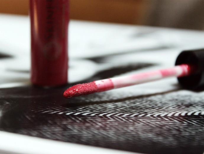 Natural & Organic Beauty from Skinerals, Moonstone Lip Gloss Velvet Swatch