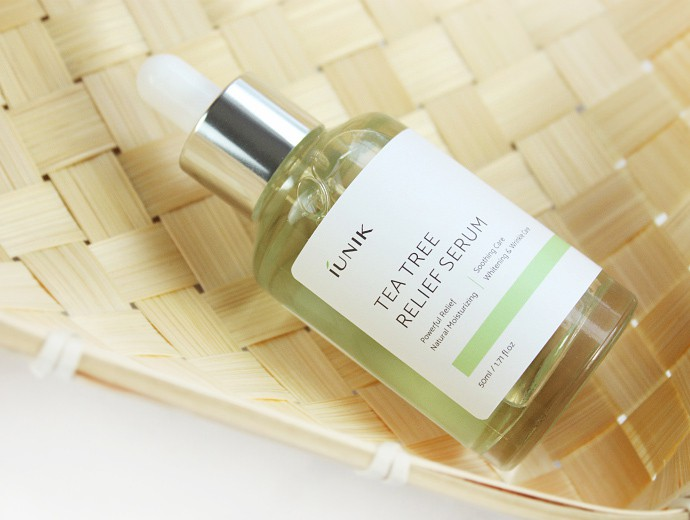iUNIK Skincare Review: Vitamin Hyaluronic Acid Vitalizing Toner and Tea Tree Relief Serum - via @glamorable #skincare #kbeauty #naturalbeauty