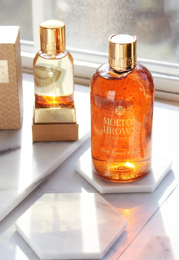 Molton Brown Mesmerizing Oud Accord & Gold Bath & Shower Gel