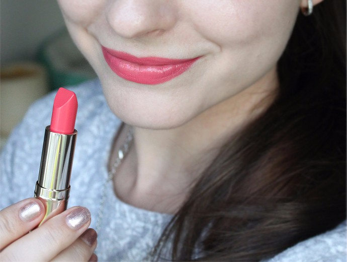 Estee Lauder Pure Color Love Lipstick Review & Swatches - 250 Radical Chic (lip swatch)