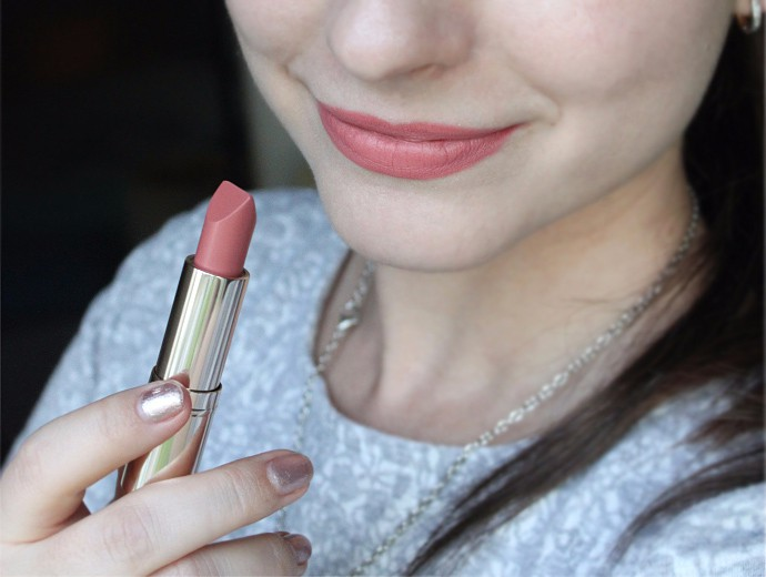 Estee Lauder Pure Color Love Lipstick Review & Swatches - 100 Blaze Buff (lip swatch)