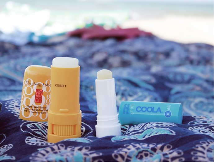 How to avoid tanning, sun safety tips, and bestorganic sunscreen - via @glamorable