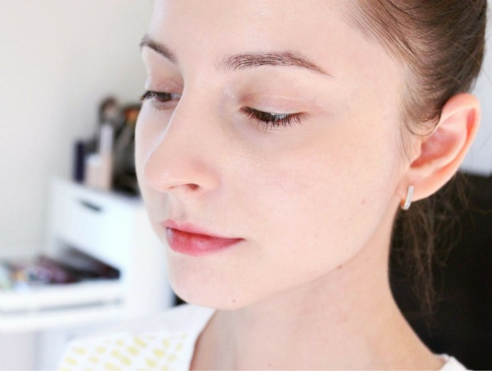 How to Achieve Perfect No-Makeup Makeup Look (that actually looks like skin) - via @glamorable #makeuplook #naturalmakeup #perfectskin #skincare #perriconemd #cleanbeauty