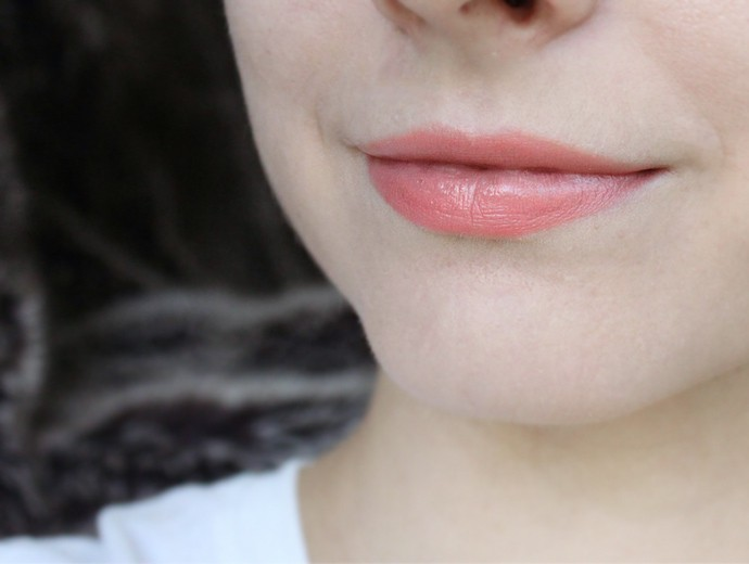Review and Swatches: PIXI Mattelustre Lipstick in Rose Naturelle, Bitten Rose, Peach Blossom; PIXI Shea Butter Lip Balm in Ripe Raspberry, Sweet Peach, Natural Rose - via @glamorable #pixibeauty #pixibypetra #lipstick #makeup