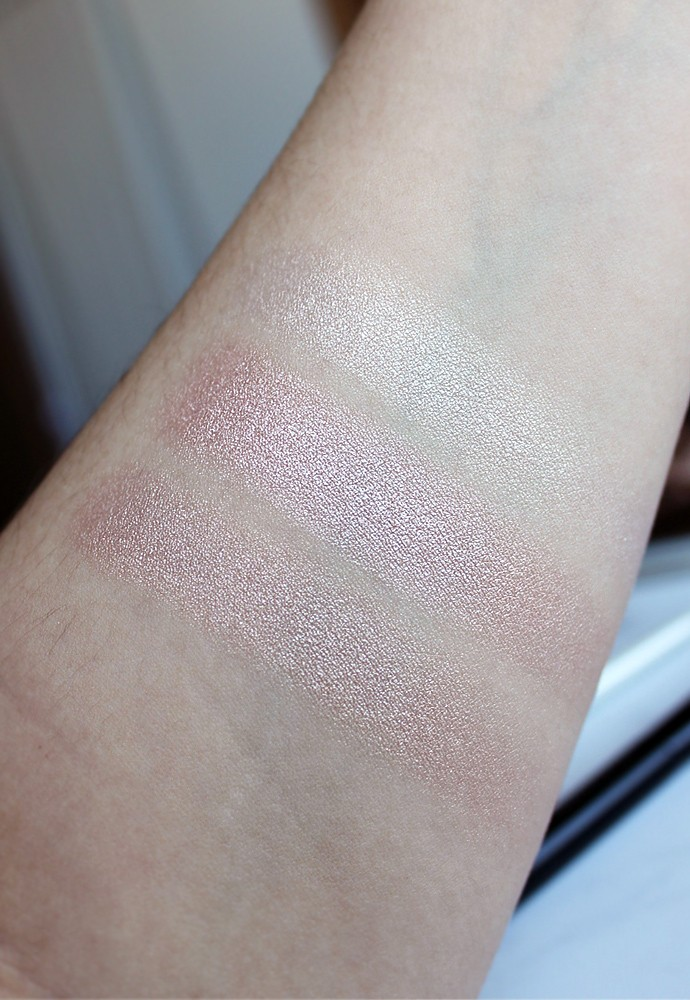 Chanel Le Signe du Lion Or Rose, Or Blanc Swatch, Review - via @glamorable #chanel #luxurybeauty #makeup #highlighter #strobing
