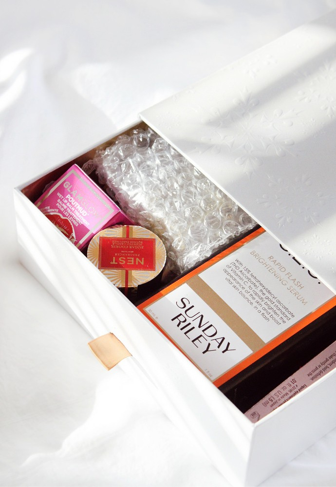 Glossybox 2017 Limited Edition Holiday Box - via @glamorable #glossyboxus #glossybox #glossyholiday
