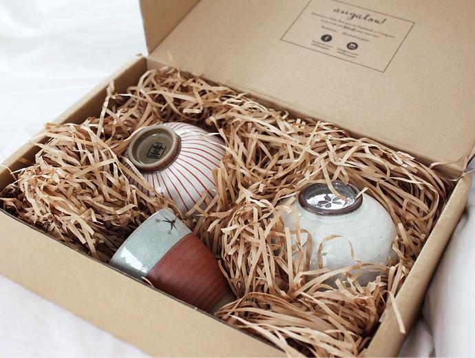 Japanese Ceramics from Neko Box - via @glamorable #japan #japanesegoods #hasamiyaki #nekobox #japanmade