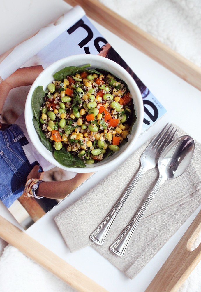 Protein Packed Vegan Quinoa Edamame Salad Recipe - via @glamorable #vegan #veganrecipes #veganfood #nowwellness #cleaneating #cleanfood