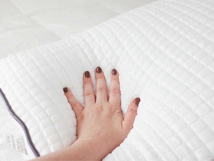 Beauty Benefits of Sleep and What I Do to Improve My Sleep Quality - Tomorrow Sleep Review via @glamorable #tomorrowsleep