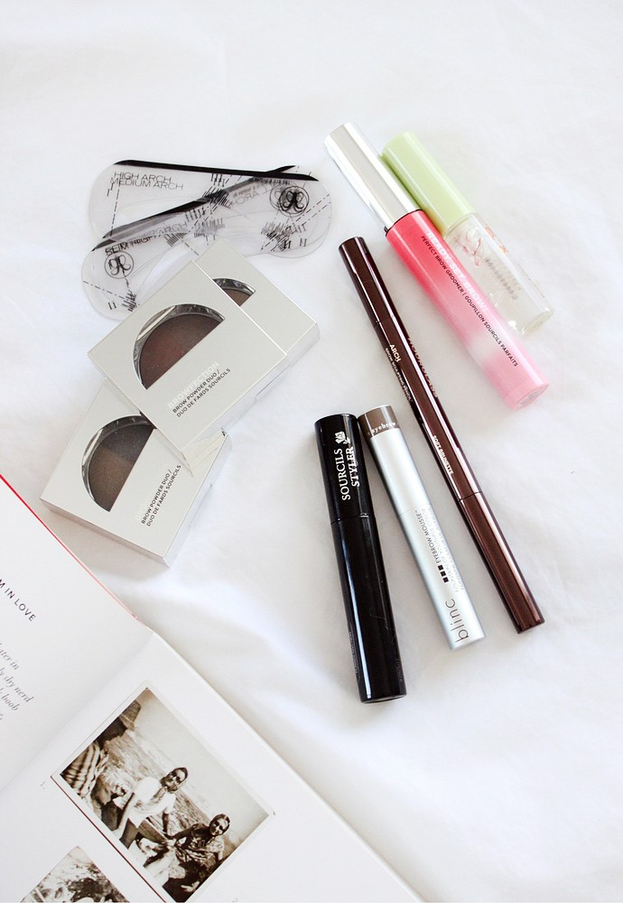 Decluttering for the new year! Massive Beauty Purge Project: Brow Products - via @glamorable from glamorable.com | #glamorable #eyebrows #konmari #declutter #beautypurge #makeup