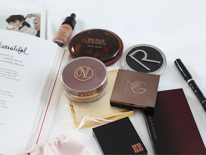 Decluttering for the new year! Massive Beauty Purge Project: Bronzers - via @glamorable from glamorable.com | #glamorable #bronzer #konmari #declutter #beautypurge #makeup