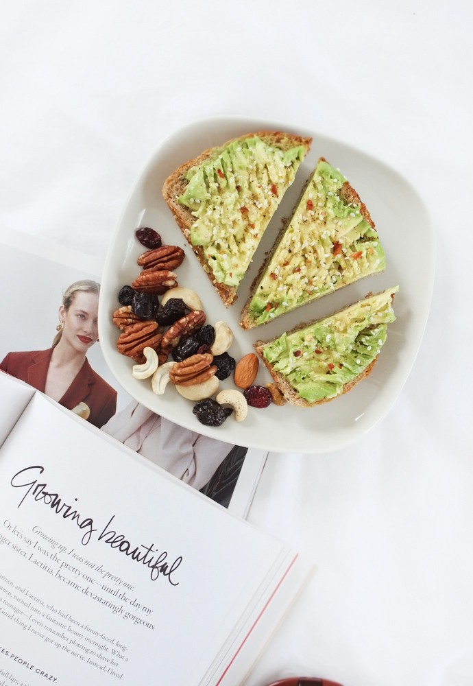 Easy Millennial Avocado Sandwich Recipe aka The Best Snack Ever - via @glamorable #cleaneating #cleanfood #healthyfood #sandwich #avocado #recipe #healthyrecipes