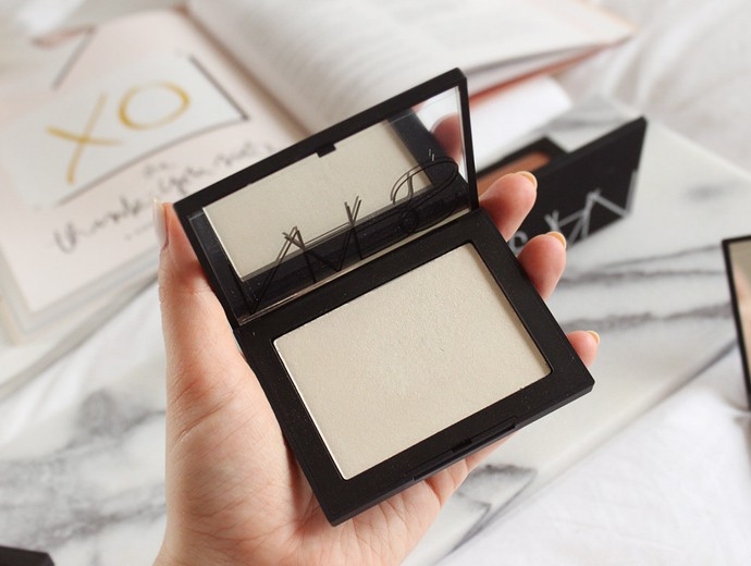 NARS Light Sculpting Highlighting Powders review & swatches - Albatross, Capri, Fort de France, Ibiza, Maldives, St. Barths