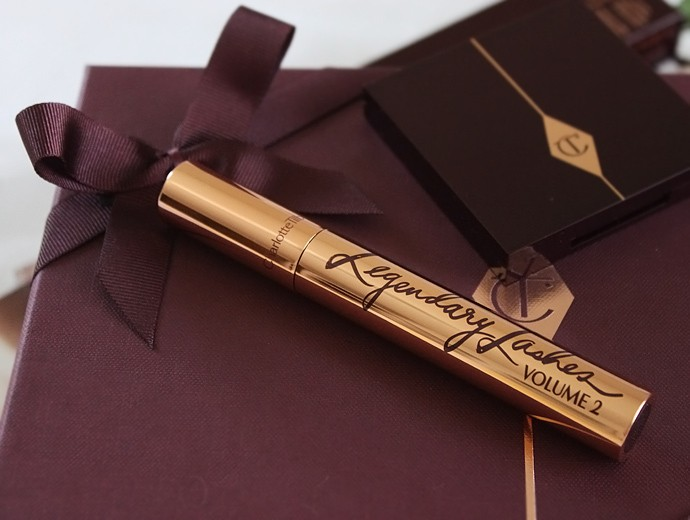 Charlotte Tilbury Beauty Filters Collection - Bigger Brighter Eyes Exaggereyes palette and Legendary Lashes Volume 2 mascara in Black Vinyl Review & Swatches | via @glamorable #bbloggers #beautyfilters #charlottetilbury