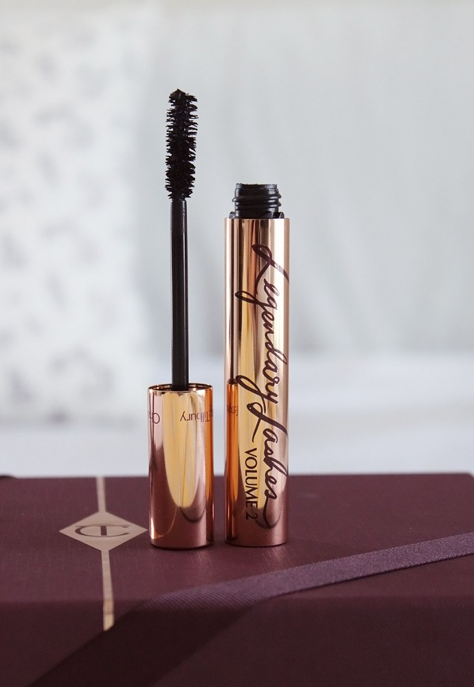 Charlotte Tilbury Beauty Filters Collection - Bigger Brighter Eyes Exaggereyes palette andLegendary Lashes Volume 2 mascara in Black Vinyl Review & Swatches | via @glamorable #bbloggers #beautyfilters #charlottetilbury