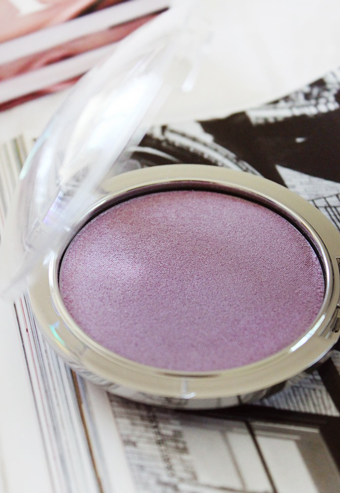 Urban Decay Disco Queen Holographic Highlight Powder  swatches review