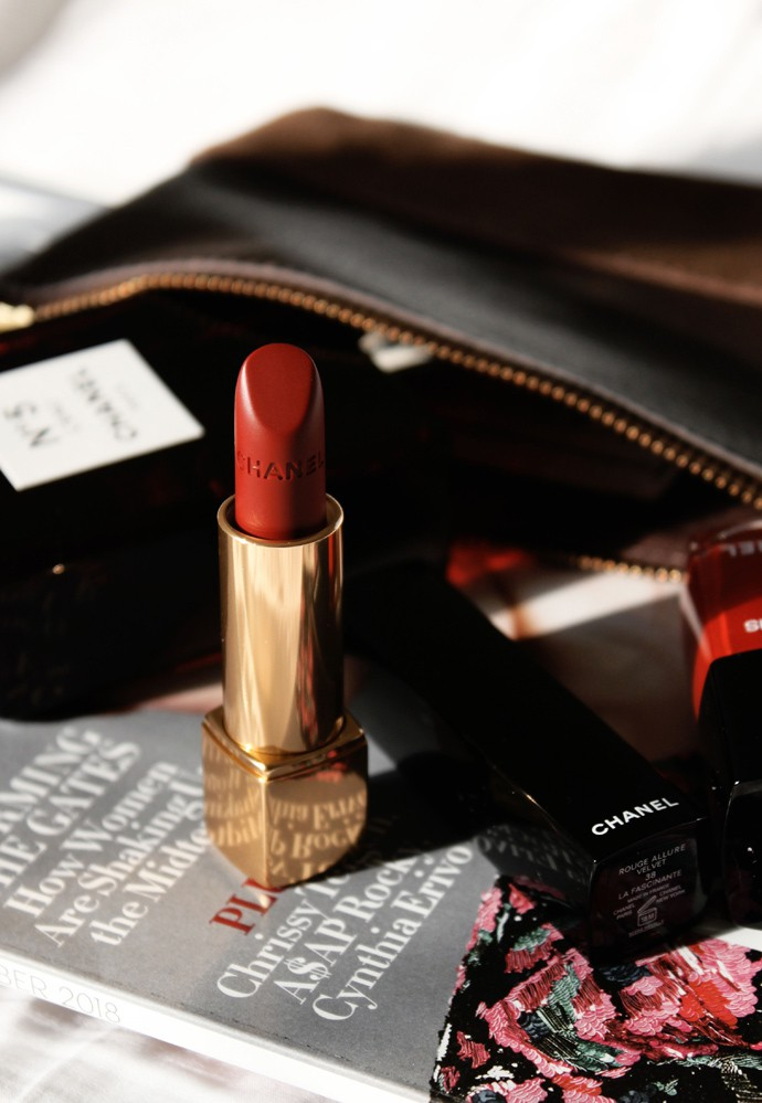 Best holiday gifts from CHANEL beauty - Rouge Allure Velvet 38 La Fascinante | @glamorable - via glamorable.com