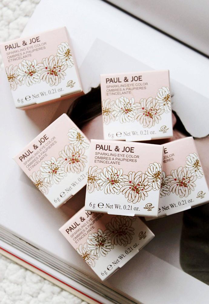 Paul & Joe Beaute Sparkling Eye Color Swatches & Review 01 En Pointe 03 Midnight Hour 04 Candied Chestnut 05 Café Brown 07 La Mer Claire 08 Métallisé